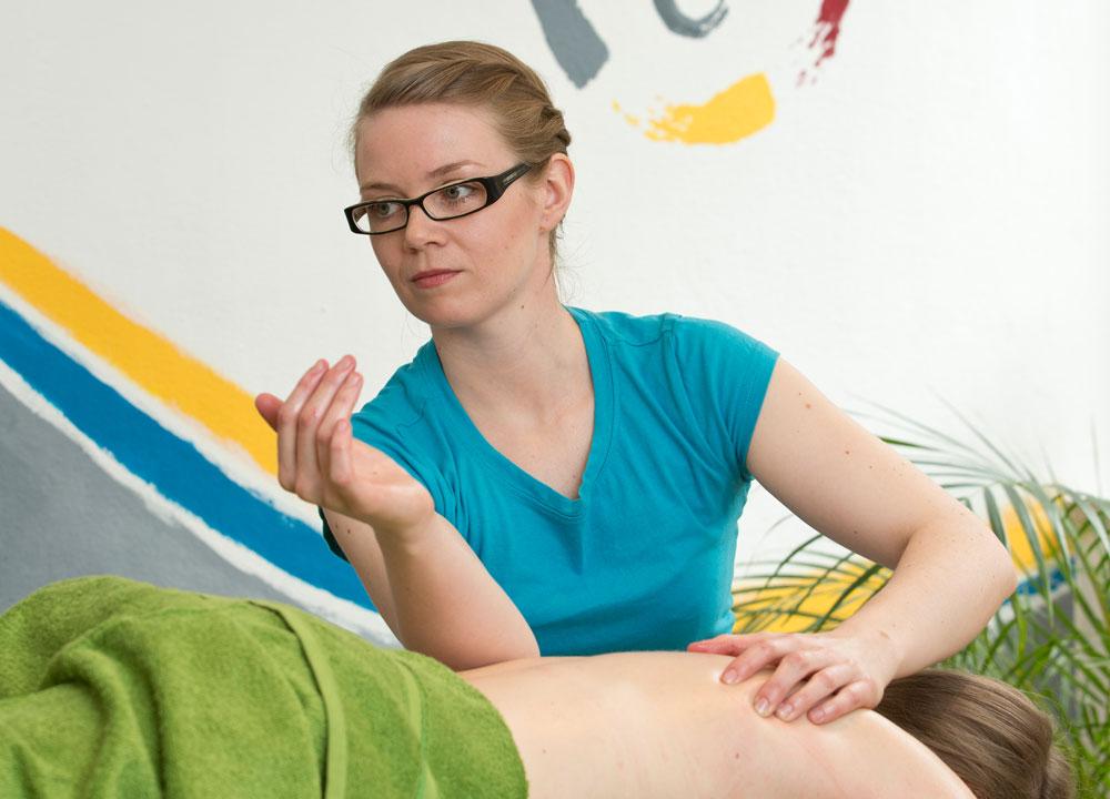 intensive Rückenmassage, Massage Innsbruck Naoruba